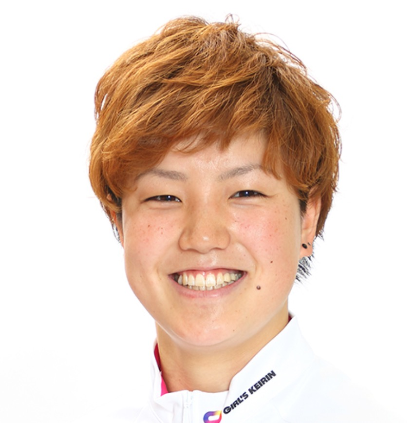 小林莉子ガールズケイリン 選手かわいい始球式2