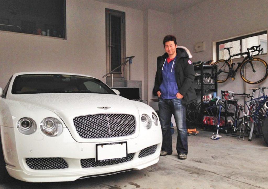 平原選手と車2